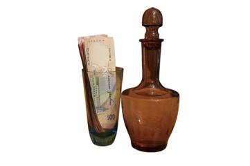 деньги стакан бутылка