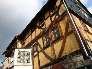 Fachwerkhaus mit Anbau aus den Sechzigerjahren bei Lollar