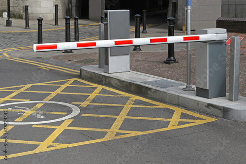 Leinwanddruck Bild Car park barrier