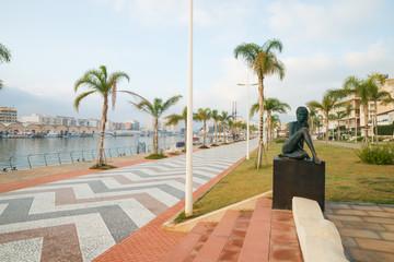 Gandia port promenade