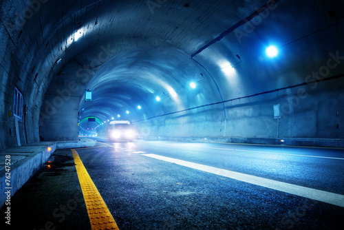 High-speed car in the tunnel - 76247528