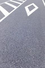 道路標識・アスファルト
