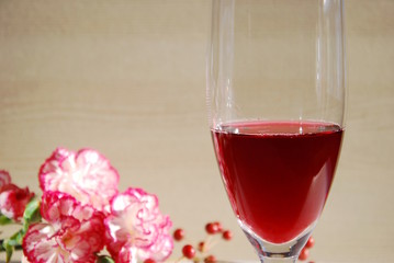sparkling wine with flowers