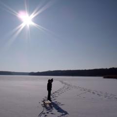 auf dem zugefrorenen see