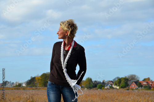 canvas print picture Frau im Wind