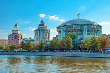 Modern architecture in Moscow. Kosmodamianskaya embankment