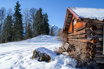 Berge_Alpen_Garmisch_Berghütte_Winter_Sonne_1