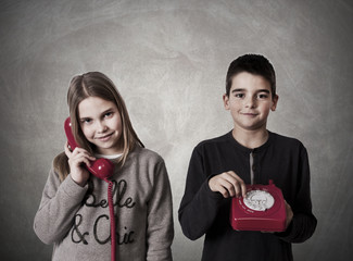 children on the phone