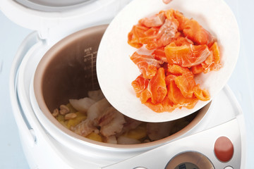 cooking seafood in Multicooker
