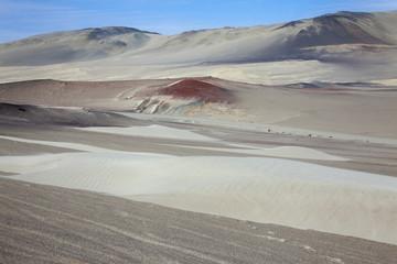 Perù: Riserva di Paracas, il deserto. Sabbia rossa.