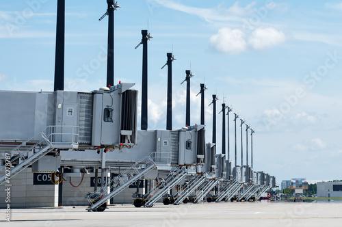 Flughafen BER Fluggastbrücken - 76278787