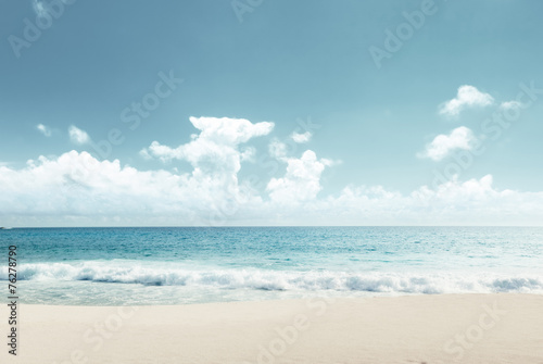 tropical beach - 76278790
