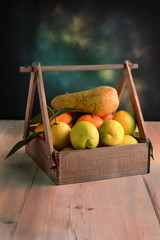 BOX WITH FRUIT OF SEASON