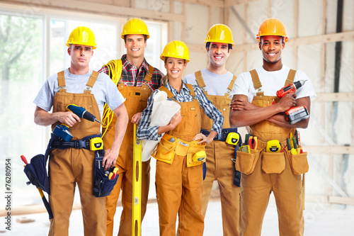 Group of construction workers. - 76280954