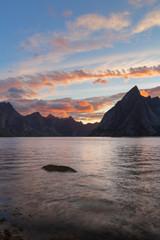 Les Iles Lofotens au coucher du soleil, Norvège