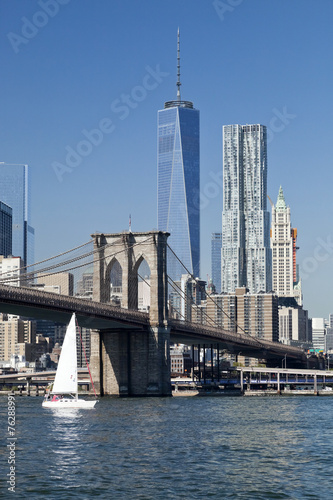 new-york-downtown-w-brooklyn-bridge