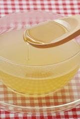 ジンジャーティーと蜂蜜