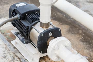 Water pump for DI water tank
