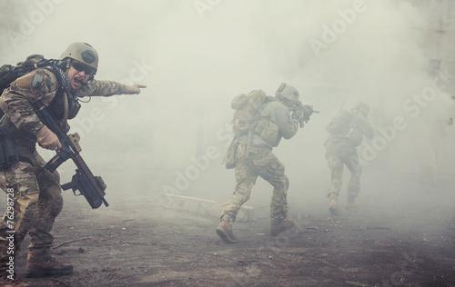 Leinwanddruck Bild United States Army rangers in action
