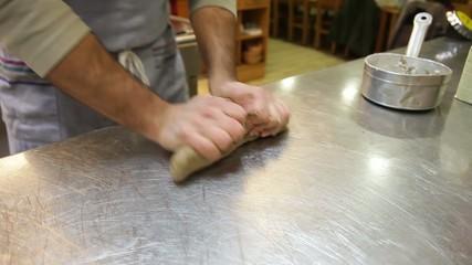 Amasar pan para el horno
