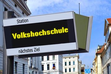 Anzeigetafel 7 - Volkshochschule