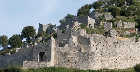 Ruines du village de Crussol