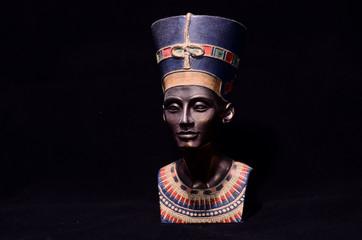 Famous Statuette Bust of Queen Nefertiti
