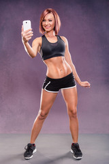 gym girls selfie