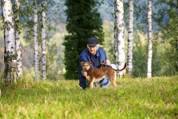 Mann Hund Birken