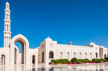 View of courtyard of Sultan Qaboos Mosque, Muscat,Oman