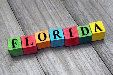 word florida on colorful wooden cubes