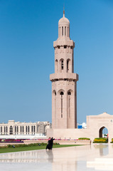 Women going to mosque, Muscat, Oman