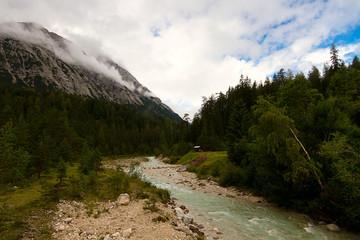 Bachlauf in den Bergen