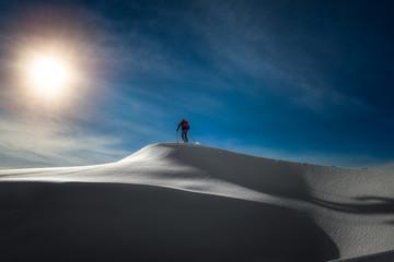 Skier alkpinist in summit