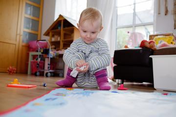 kind beim malen