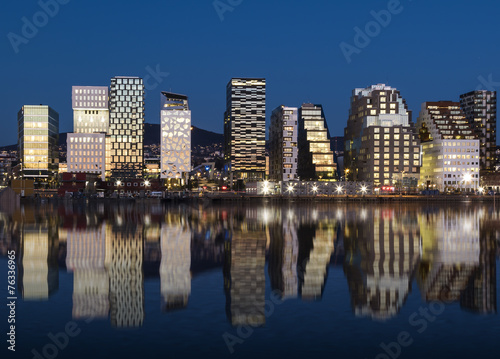 Foto op Plexiglas Scandinavië Oslo Skyline by night 2015