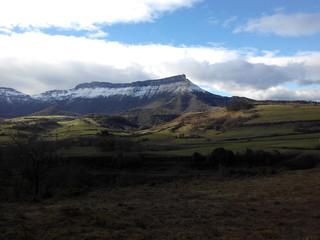 Paisaje de montaña nevada