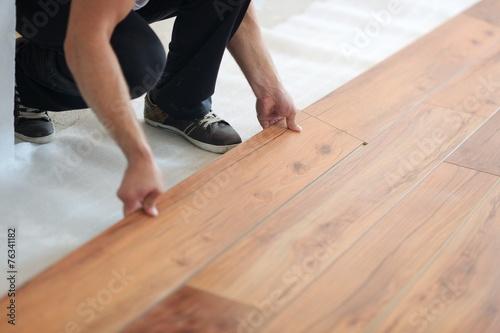 Installing laminate flooring - 76341182