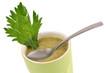 Tasse de soupe de céleri branche