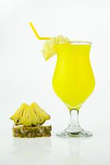 glasses of pineapple juice