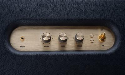 amplifier button