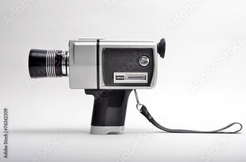 Antigua cámara de vídeo - 76362309