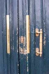 Dettaglio porta, serratura, battenti