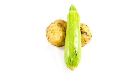 Frische Zucchini mit Kartoffeln