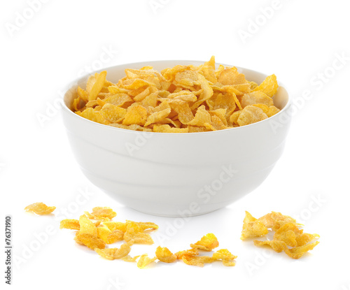 Fotobehang Aromatische cornflakes in white bowl isolated on white