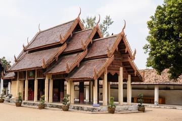 LAMPANG, THAILAND-DECEMBER 18 2014 :Wat pra that Lampang Luang.