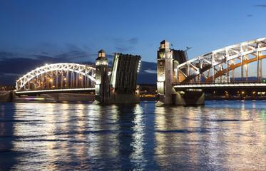 Белая ночь. Большеохтинский мост. Санкт-Петербург