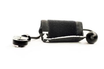 Apparatus for measuring blood pressure