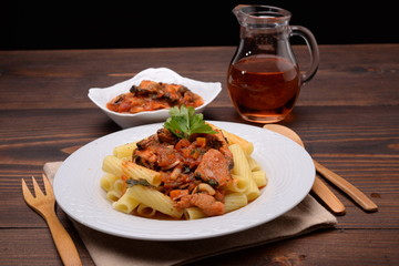 RIGATONI SAUCE WITH DRESSING OF FISH