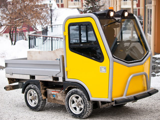 Specialized utility vehicule in winter